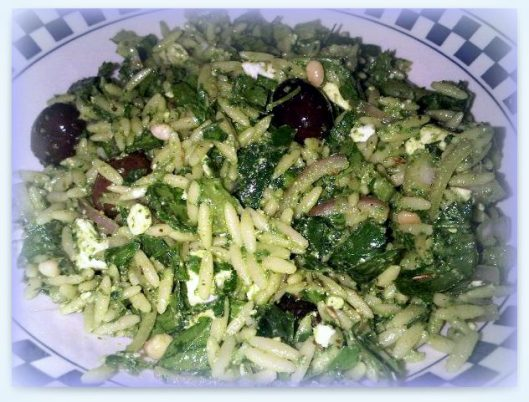 Orzo , salad , spinach , spinach grain salad