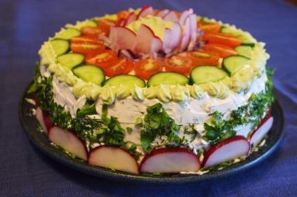 Vegan smörgåstårta (Swedish Sandwich Cake)