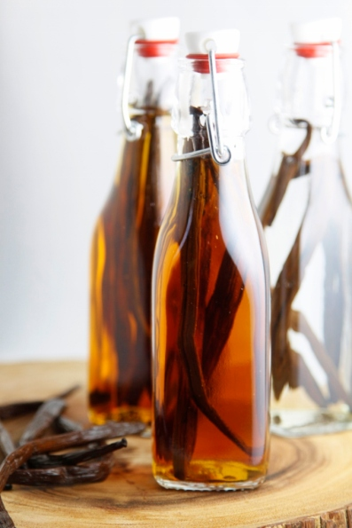 DIY-Vanilla-Extract